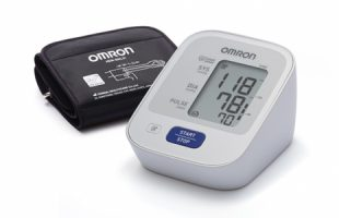 Omron M300 Oberarm-Blutdruckmessgerät      29,95 €